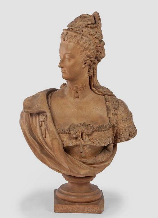 Bustes de Marie-Antoinette par la duchesse Castiglione-Colonna, Adèle d'Affry, dite Marcello 14259110