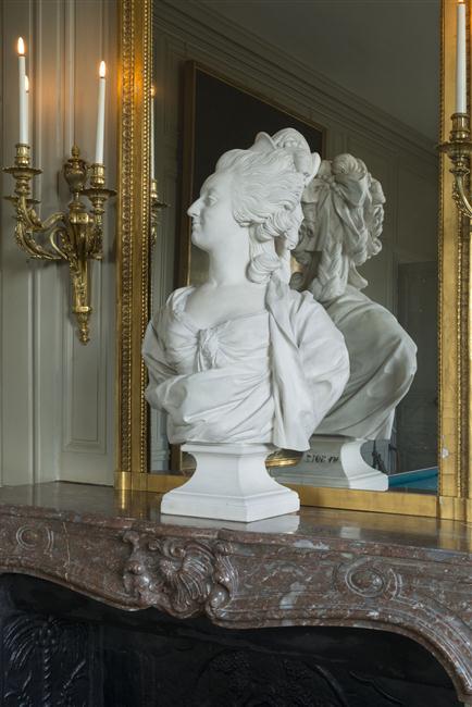 Marie Antoinette, par (et d'après) Louis-Simon Boizot 15-51311