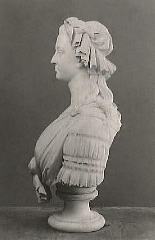 Bustes de Marie-Antoinette par la duchesse Castiglione-Colonna, Adèle d'Affry, dite Marcello 2dadd111