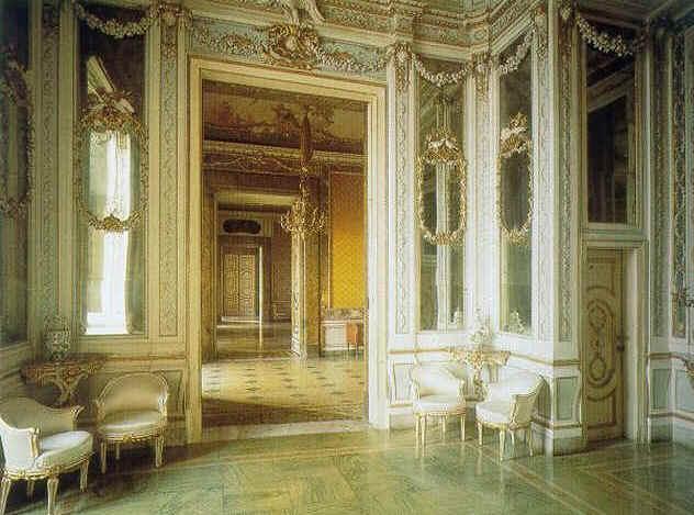 Marie-Caroline à Naples : le Palais Royal de Caserte - Page 2 312010