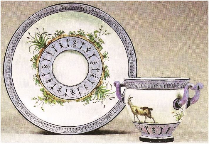 Service de Marie-Antoinette pour Rambouillet en porcelaine de Sèvres 61654110