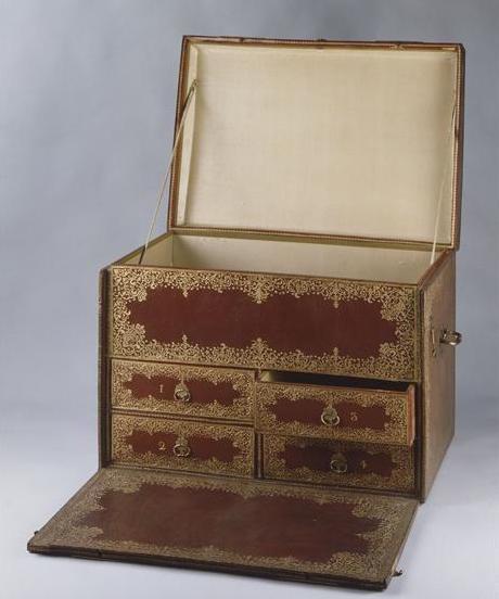 Malles et coffres de voyage de Marie-Antoinette 91-00011