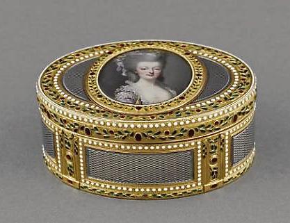 Marie Antoinette, miniatures attribuées à ou d'après François Dumont - Page 2 93882_10