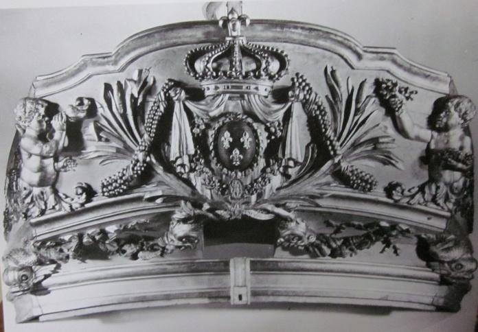 Le canot de promenade de Marie-Antoinette à Versailles Bateau11