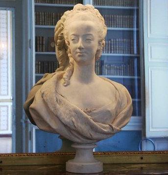 Marie Antoinette, par (et d'après) Louis-Simon Boizot Boizot16