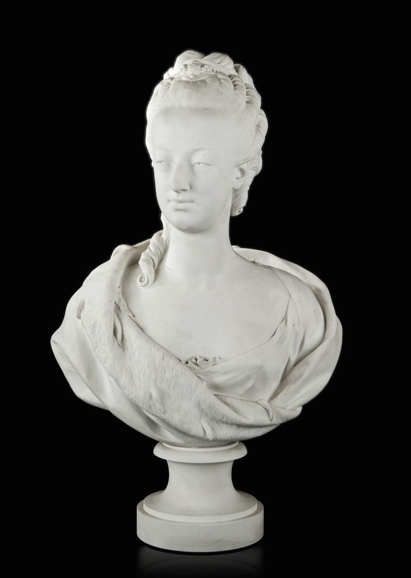 Marie Antoinette, par (et d'après) Louis-Simon Boizot Buste_10
