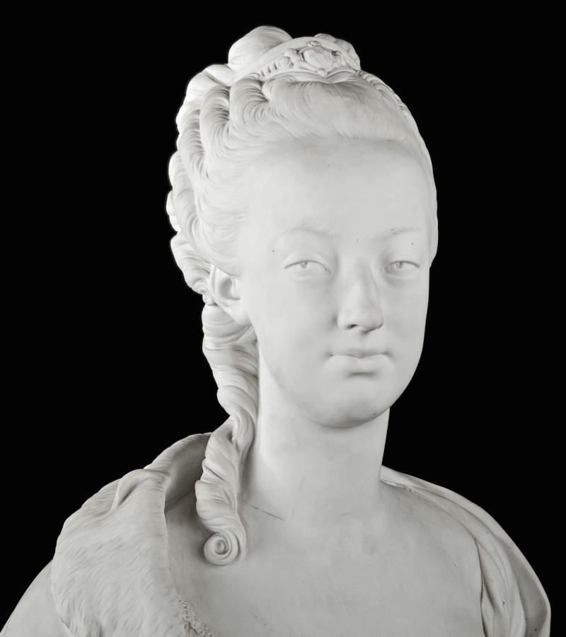 Marie Antoinette, par (et d'après) Louis-Simon Boizot Buste_11