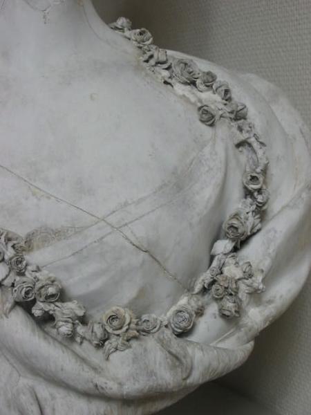 Marie Antoinette, par (et d'après) Louis-Simon Boizot Buste_13