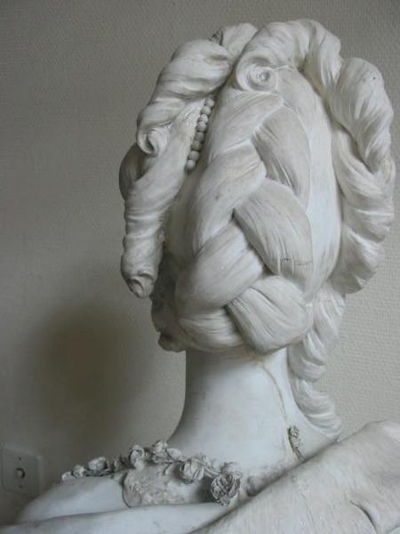 Marie Antoinette, par (et d'après) Louis-Simon Boizot Buste_14
