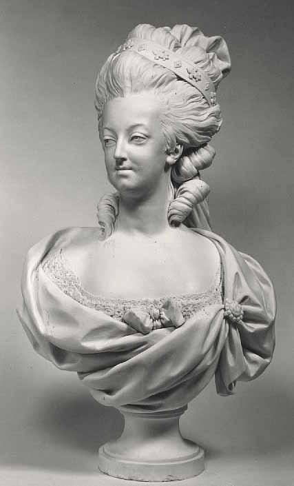Marie Antoinette, par (et d'après) Louis-Simon Boizot Buste_15