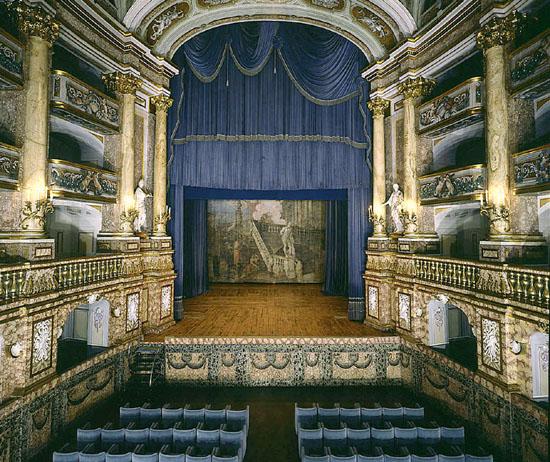 Marie-Caroline à Naples : le Palais Royal de Caserte Cam-ce10