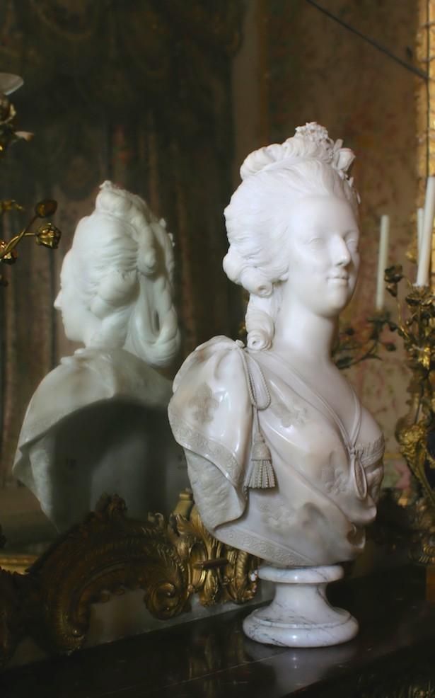 Bustes de Marie Antoinette par et d'après Félix Lecomte Chytea10