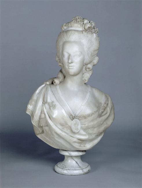 Bustes de Marie Antoinette par et d'après Félix Lecomte Felix_10