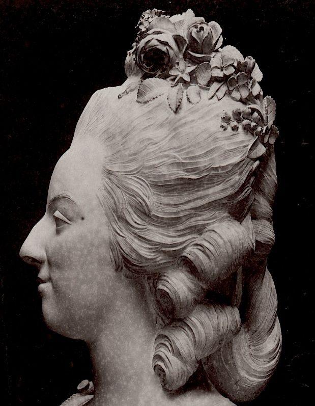 Bustes de Marie Antoinette par et d'après Félix Lecomte Felix_12