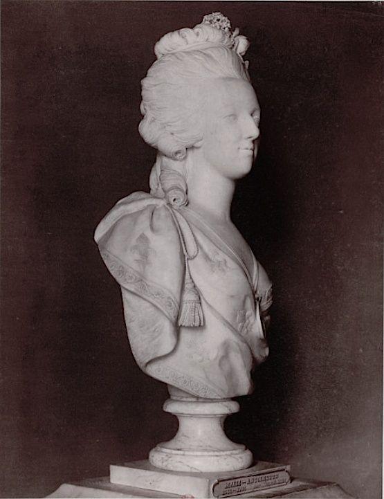 Bustes de Marie Antoinette par et d'après Félix Lecomte Felix_14