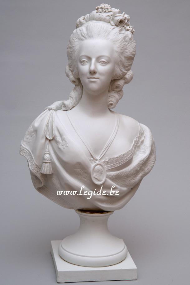 Bustes de Marie Antoinette par et d'après Félix Lecomte L_egid10