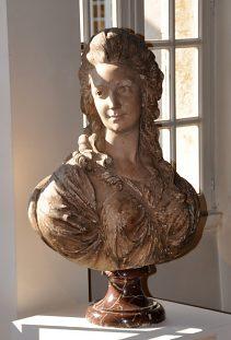 Sculpture : Les bustes de la princesse de Lamballe (présumée) Lambal26
