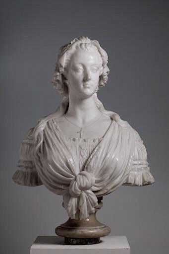 Bustes de Marie-Antoinette par la duchesse Castiglione-Colonna, Adèle d'Affry, dite Marcello Marcel12