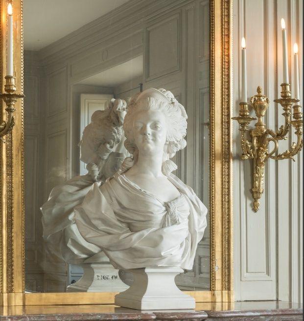Marie Antoinette, par (et d'après) Louis-Simon Boizot Marie_22