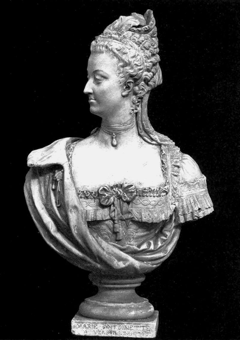 Bustes de Marie-Antoinette par la duchesse Castiglione-Colonna, Adèle d'Affry, dite Marcello Marie_30