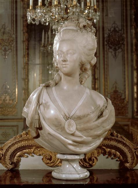 Bustes de Marie Antoinette par et d'après Félix Lecomte Marie_47