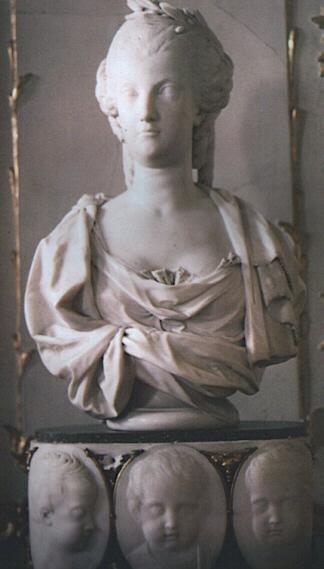 Buste de Marie-Antoinette par Joseph Fernande Marieb10