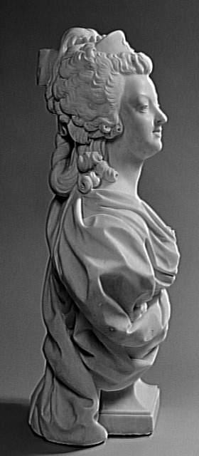 Marie Antoinette, par (et d'après) Louis-Simon Boizot Palais10
