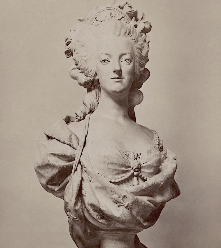 Marie Antoinette, par (et d'après) Louis-Simon Boizot Platre11