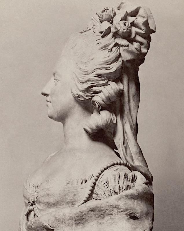 Marie Antoinette, par (et d'après) Louis-Simon Boizot Plytre10