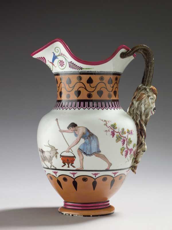 Service de Marie-Antoinette pour Rambouillet en porcelaine de Sèvres Pot_yo10