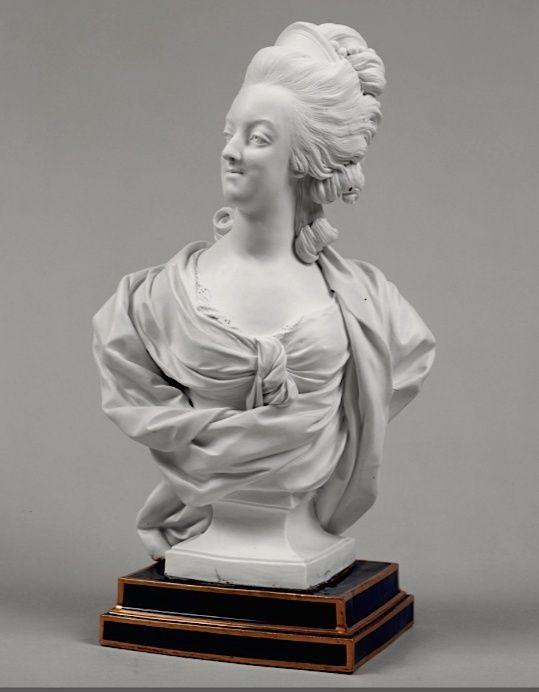 Marie Antoinette, par (et d'après) Louis-Simon Boizot Queen_10