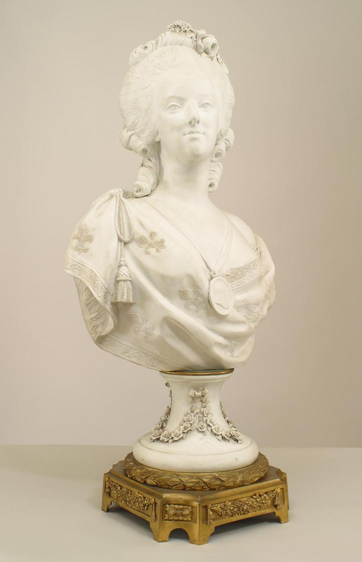 Bustes de Marie Antoinette par et d'après Félix Lecomte Zfers110