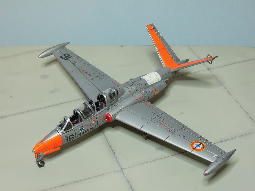 Fouga CM-175 Zéphyr-Spécial Hobby-1/72° (terminé) - Page 6 Dscn9110