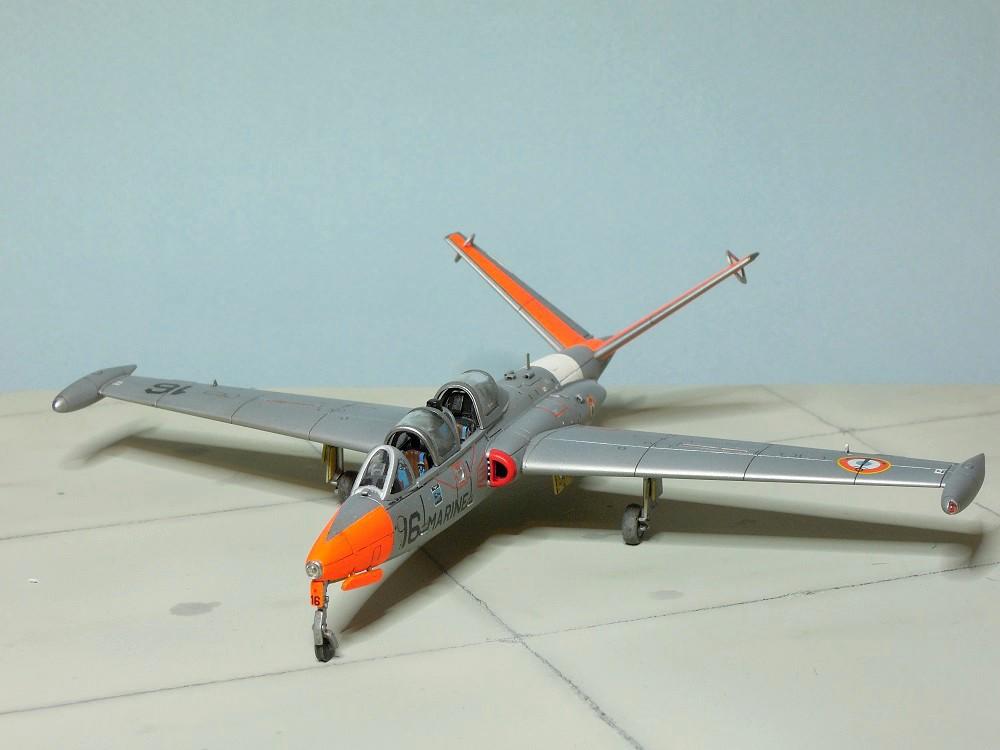 Fouga CM-175 Zéphyr-Spécial Hobby-1/72° (terminé) - Page 6 Dscn9111