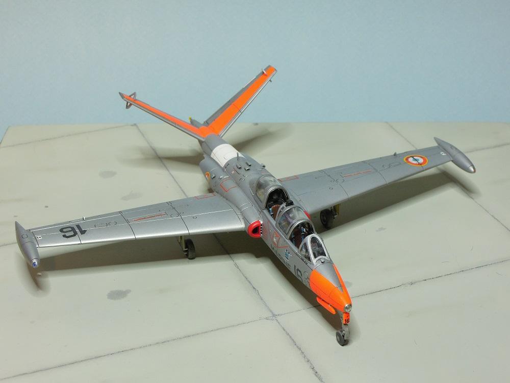 Fouga CM-175 Zéphyr-Spécial Hobby-1/72° (terminé) - Page 6 Dscn9112