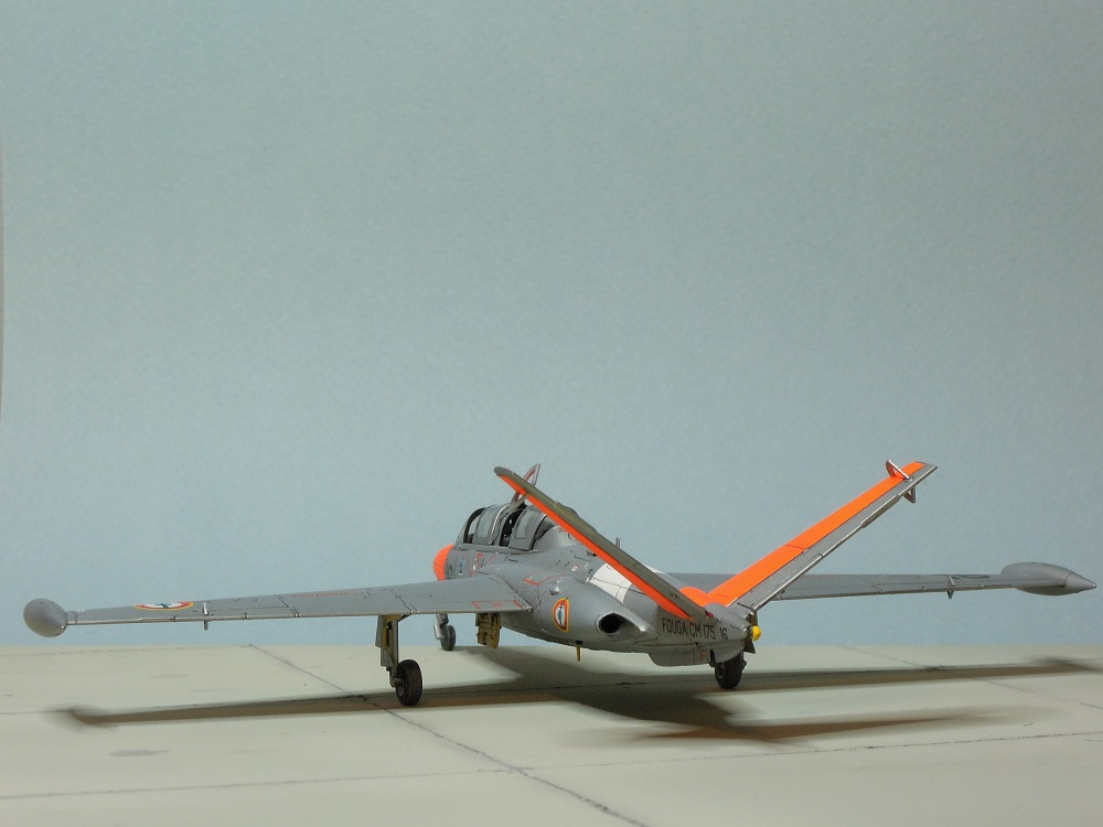 Fouga CM-175 Zéphyr-Spécial Hobby-1/72° (terminé) - Page 6 Dscn9115