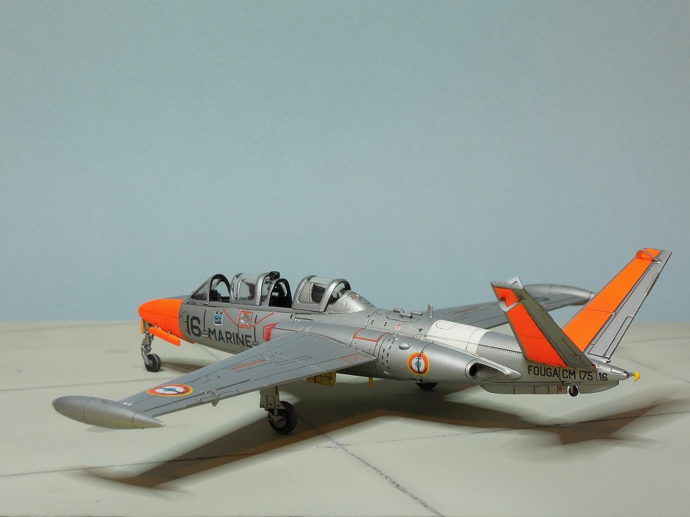 Fouga CM-175 Zéphyr-Spécial Hobby-1/72° (terminé) - Page 6 Dscn9116