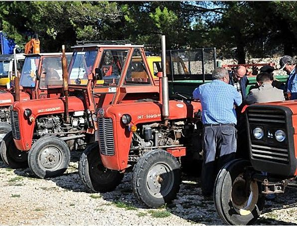 Traktor IMT 533  & 539 opća tema tema traktora Screen25