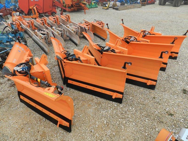 Komunalna oprema za traktore - Page 11 Trakto22