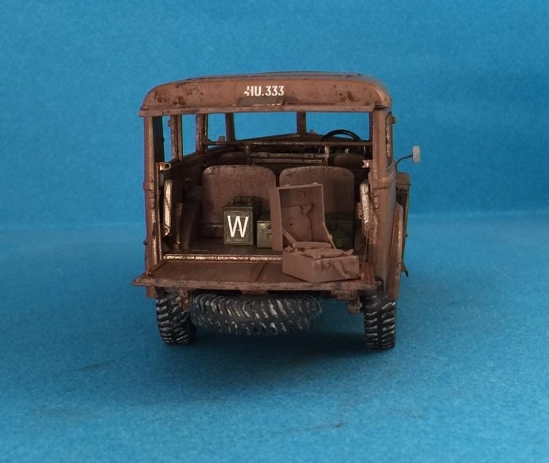 "La BBC en action - ""Humber staff car"" Accurate Armour + figurines Bronco et scratch - 1/35 Image13"