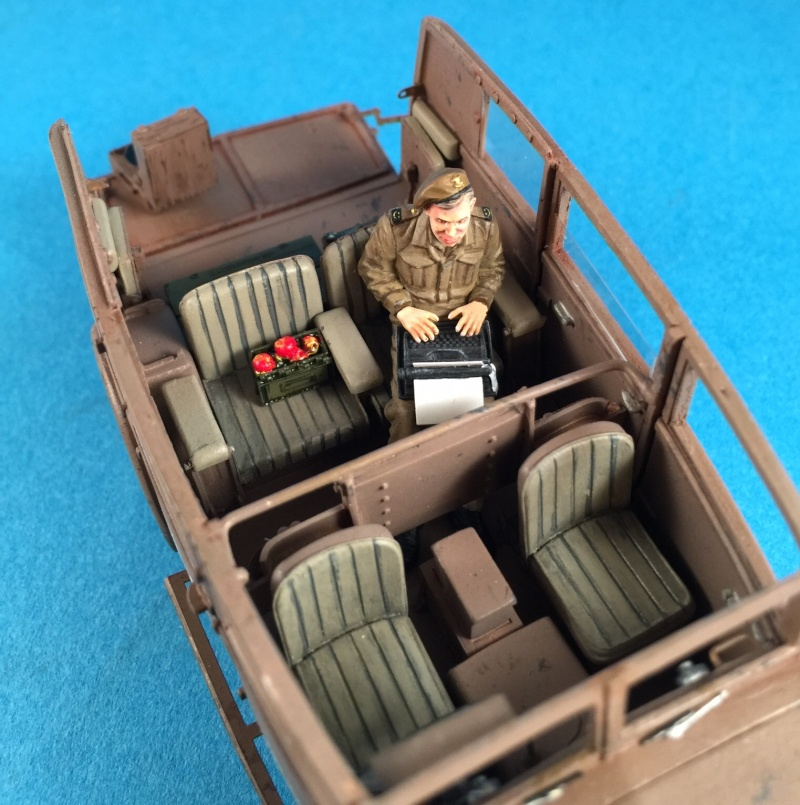 "La BBC en action - ""Humber staff car"" Accurate Armour + figurines Bronco et scratch - 1/35 Image18"