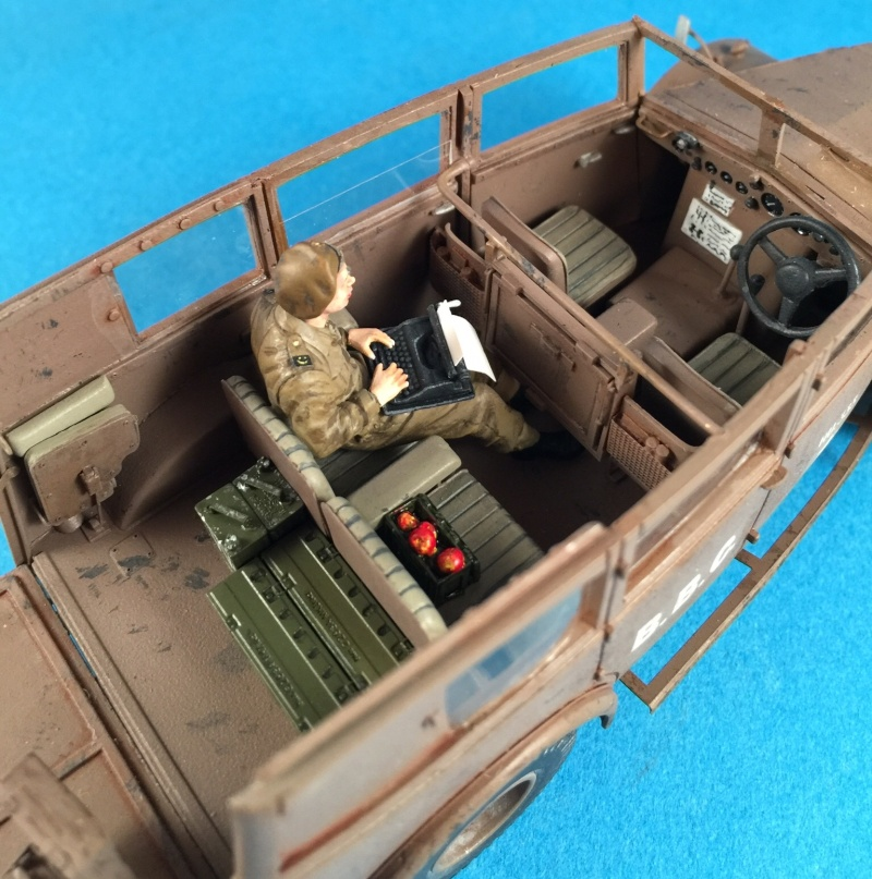 "La BBC en action - ""Humber staff car"" Accurate Armour + figurines Bronco et scratch - 1/35 Image19"