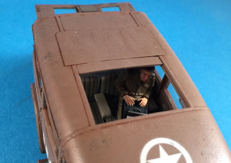 "La BBC en action - ""Humber staff car"" Accurate Armour + figurines Bronco et scratch - 1/35 Image22"