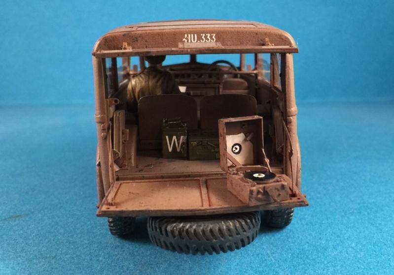"La BBC en action - ""Humber staff car"" Accurate Armour + figurines Bronco et scratch - 1/35 Image23"