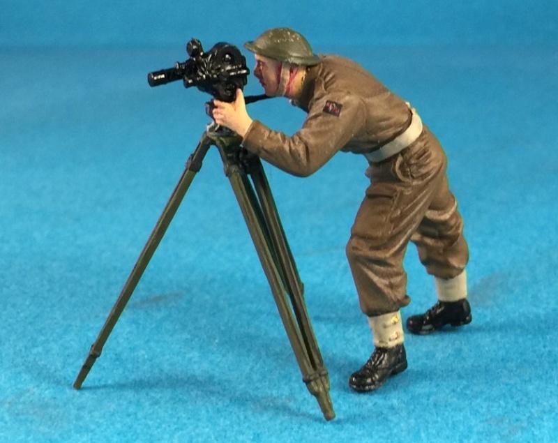 "La BBC en action - ""Humber staff car"" Accurate Armour + figurines Bronco et scratch - 1/35 - Page 2 Image33"