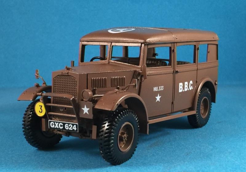 "La BBC en action - ""Humber staff car"" Accurate Armour + figurines Bronco et scratch - 1/35 Img_1812"