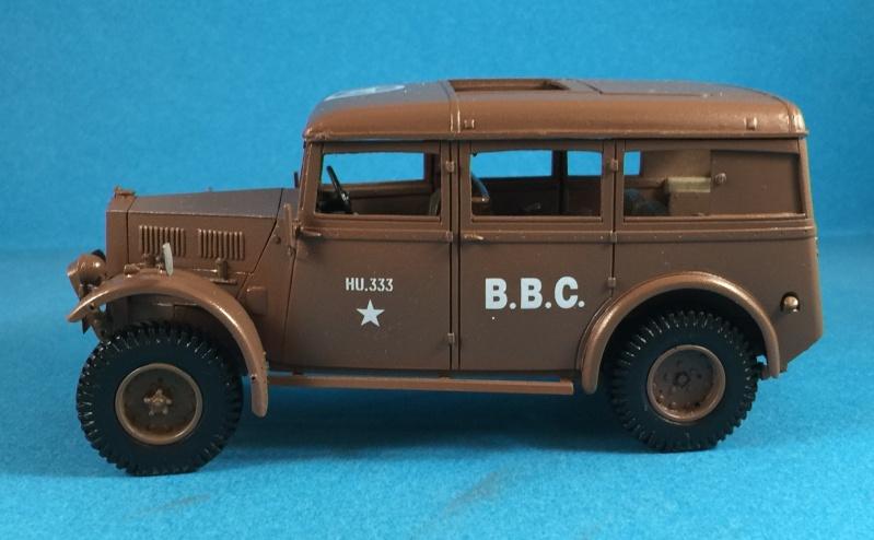"La BBC en action - ""Humber staff car"" Accurate Armour + figurines Bronco et scratch - 1/35 Img_1813"