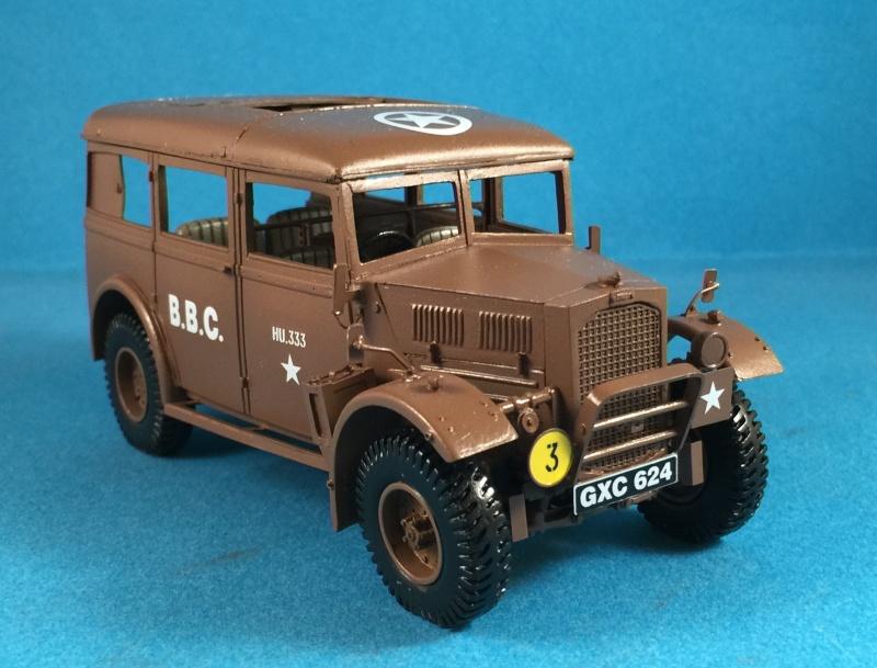 "La BBC en action - ""Humber staff car"" Accurate Armour + figurines Bronco et scratch - 1/35 Img_1816"