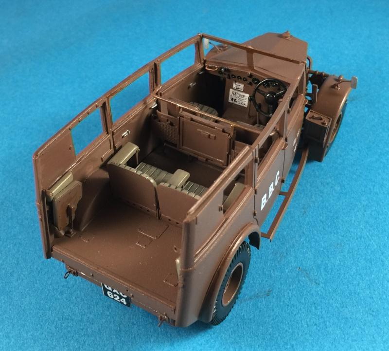 "La BBC en action - ""Humber staff car"" Accurate Armour + figurines Bronco et scratch - 1/35 Img_1817"