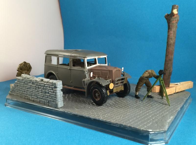 "La BBC en action - ""Humber staff car"" Accurate Armour + figurines Bronco et scratch - 1/35 Img_1820"